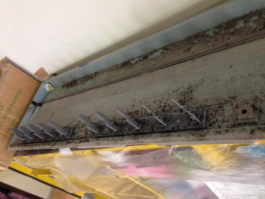 24時間保育所 天井吊り下げ型エアコンの嫌なニオイ除去